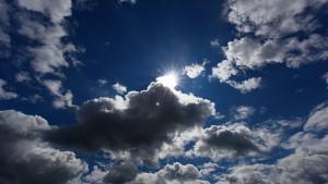die-sonne-hat-es-in-der-kommenden-woche-immer-wieder-schwer-gegen-die-wolken-anzukommen-